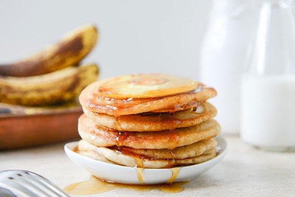Bữa sáng ngon với pancake chuối dứa thơm phức 1