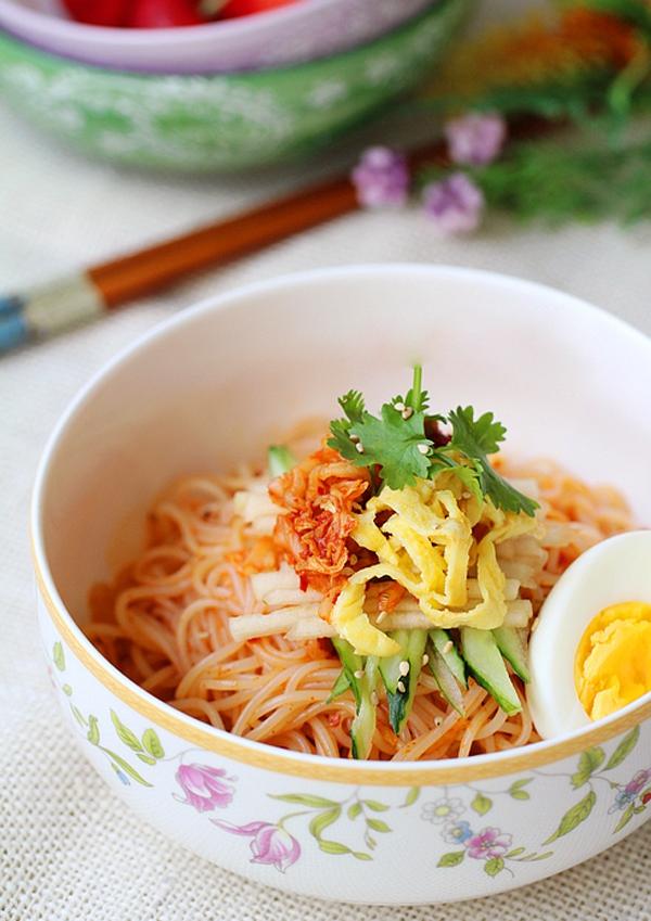 Bún trộn kiểu Hàn Quốc cho bữa trưa văn phòng ngon miệng 13