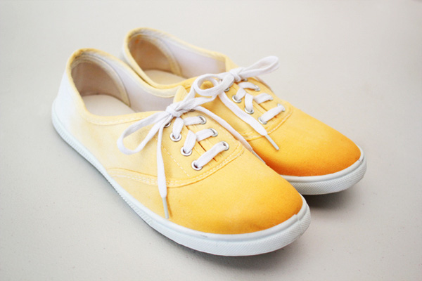 Tự nhuộm giày vải màu loang sành điệu, độc đáo 14
