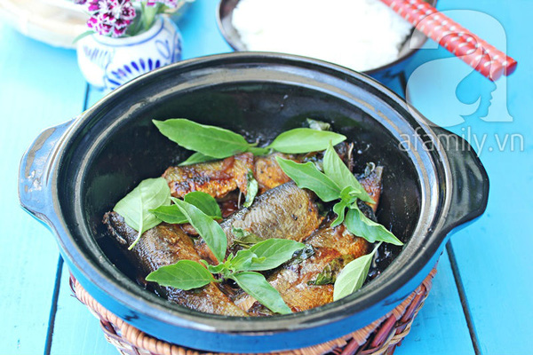 Đậm đà lạ miệng với món cá kho húng quế 1