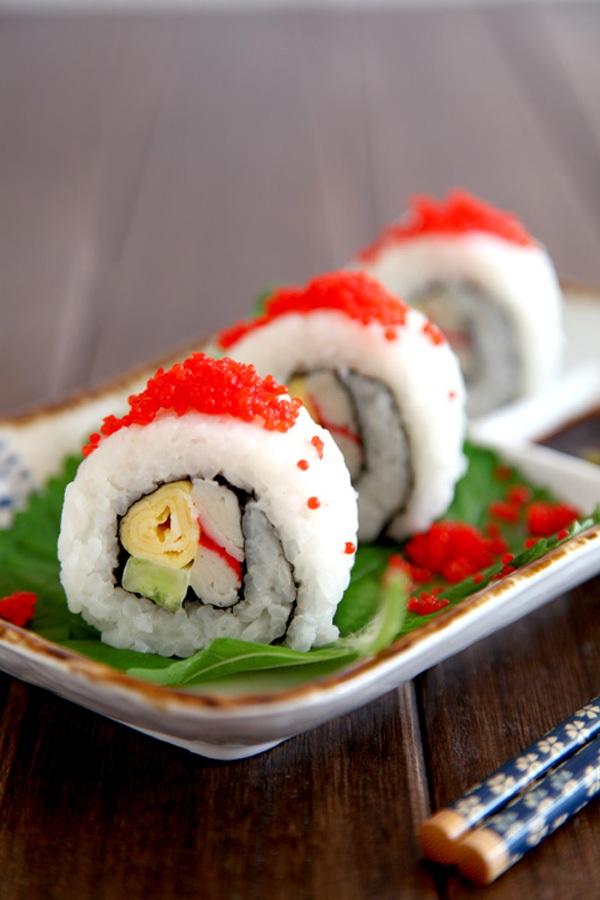 Ăn trưa ngon với món cơm cuộn siêu đẹp mắt 13