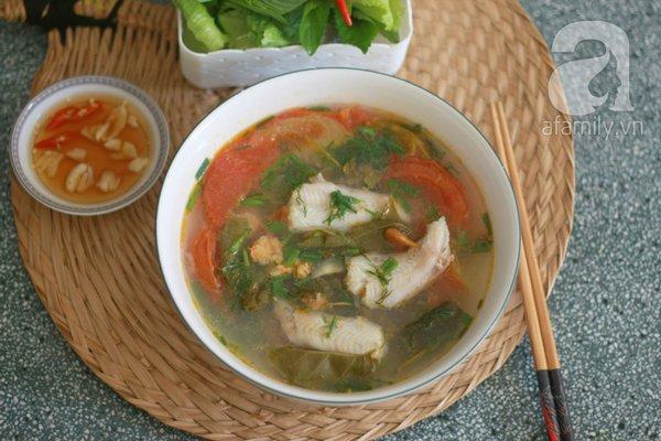 Giản dị món canh cá khoai nấu lá giang 1