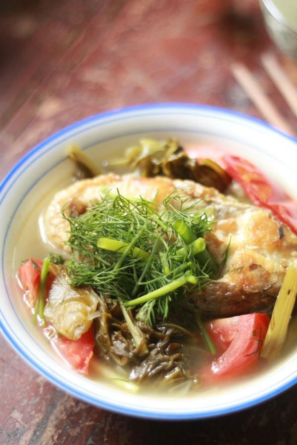 Canh cá nấu dưa chua ngon cho bữa tối 1