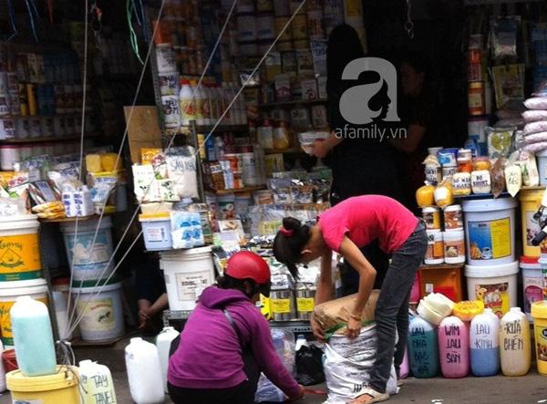 """Hãi hùng khu chợ """"đầu độc"""" người tiêu dùng lớn nhất Sài Gòn 8"""