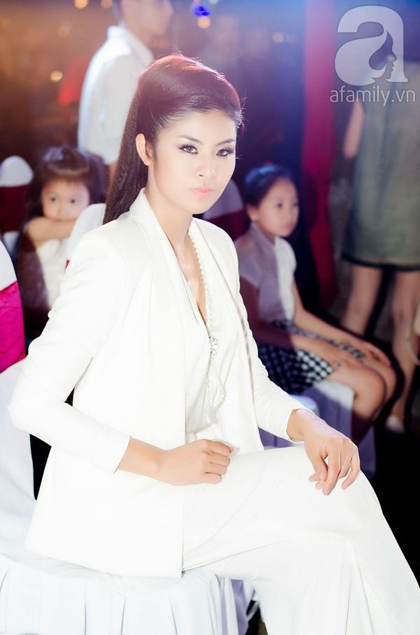 Hoa hậu Ngọc Hân xinh đẹp lạnh lùng 1