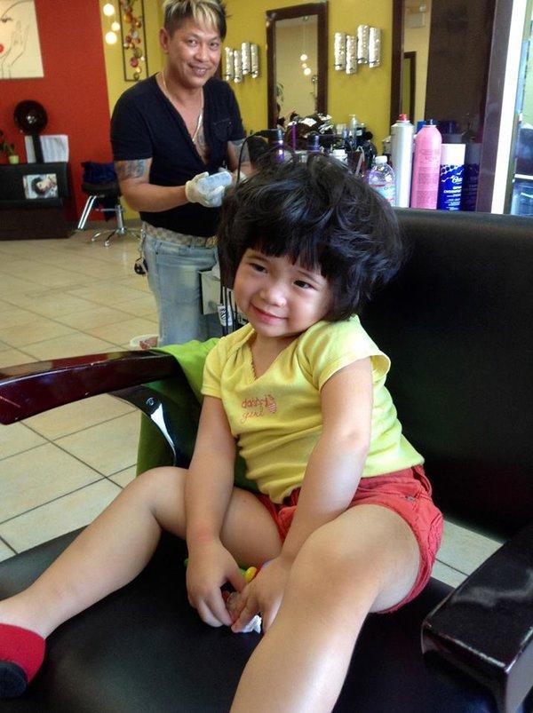 Hình ảnh đáng yêu của con gái danh hài Thúy Nga đi làm tóc 5