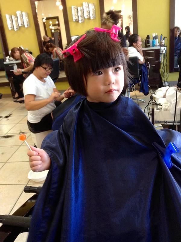 Hình ảnh đáng yêu của con gái danh hài Thúy Nga đi làm tóc 2