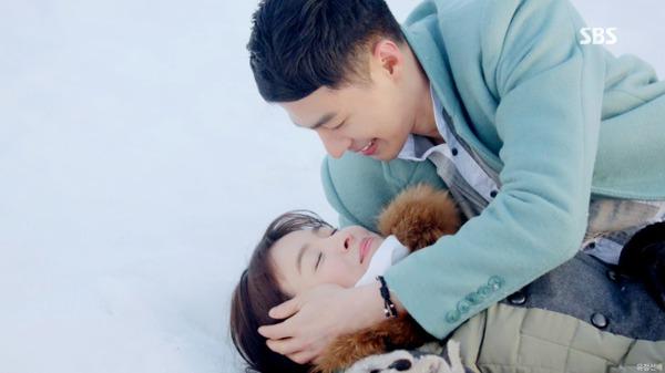 """Oh Soo thú nhận yêu Oh Young trong """"Ngọn gió đông"""" 7"""