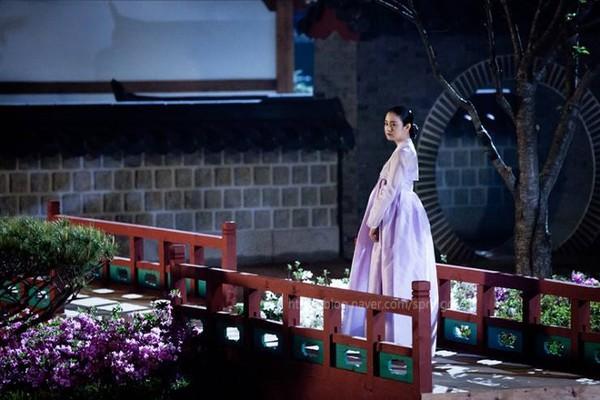 """Kim Tae Hee dùng mỹ nhân kế phá đám """"tình địch"""" 6"""