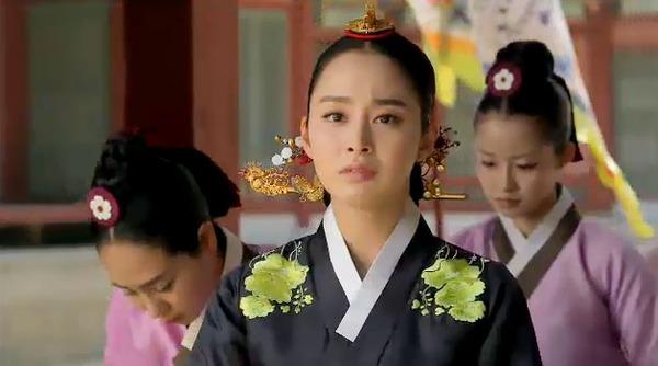 """Ok Jung"" Kim Tae Hee mang thai vẫn bị Vua lạnh nhạt 5"