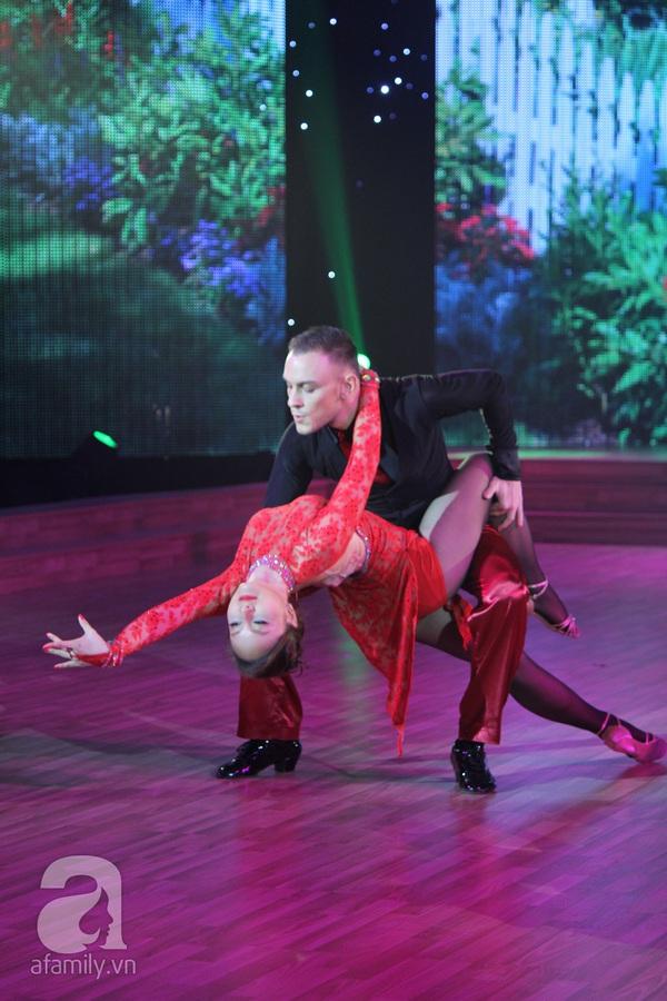 Bước nhảy hoàn vũ: Giám khảo bật khóc vì Ngọc Quyên 11