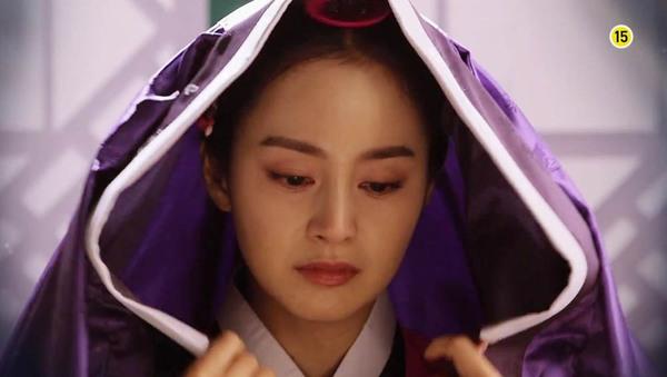 """""""Jang Ok Jung"""" Kim Tae Hee bị ép uống thuốc... vô sinh 1"""