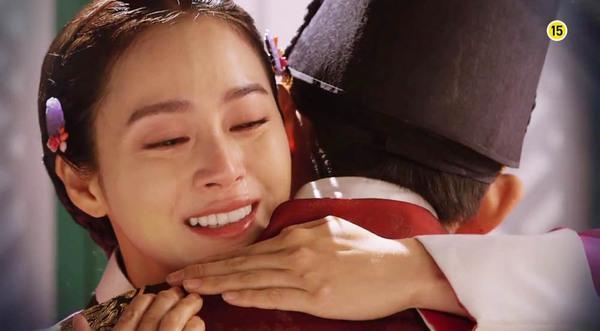 """""""Jang Ok Jung"""" Kim Tae Hee bị ép uống thuốc... vô sinh 3"""
