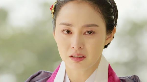 """""""Jang Ok Jung"""": Kim Tae Hee động phòng cùng Yoo Ah In 9"""