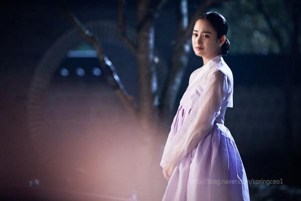 """Kim Tae Hee dùng mỹ nhân kế phá đám """"tình địch"""" 7"""