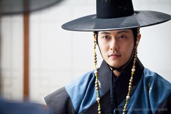 """Kim Tae Hee dùng mỹ nhân kế phá đám """"tình địch"""" 14"""