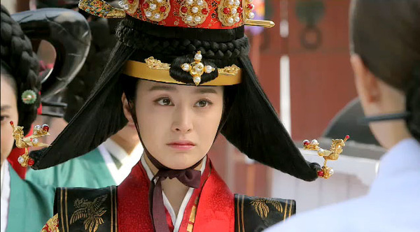 """""""Ok Jung"""" Kim Tae Hee thay đổi sau khi thành Hoàng hậu 1"""