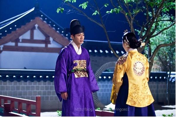 """""""Ok Jung"""" Kim Tae Hee thay đổi sau khi thành Hoàng hậu 12"""
