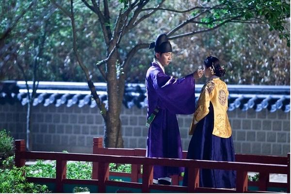 """""""Ok Jung"""" Kim Tae Hee thay đổi sau khi thành Hoàng hậu 14"""