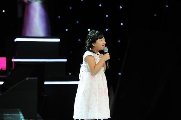 Con gái Chiều Xuân chinh phục cả 4 HLV Giọng hát Việt nhí 1