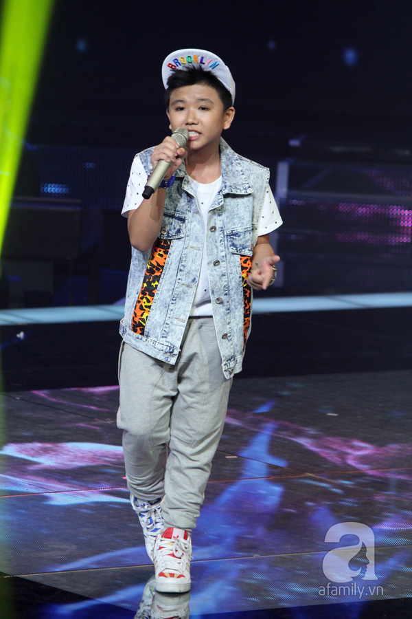 Liveshow 3: Thí sinh The Voice Kids khóc nức nở khi hát về cha 2
