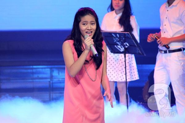 Liveshow 3: Thí sinh The Voice Kids khóc nức nở khi hát về cha 9
