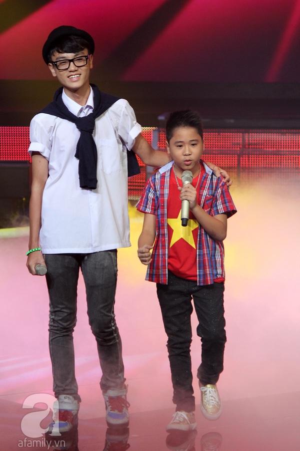 Liveshow 3: Thí sinh The Voice Kids khóc nức nở khi hát về cha 10