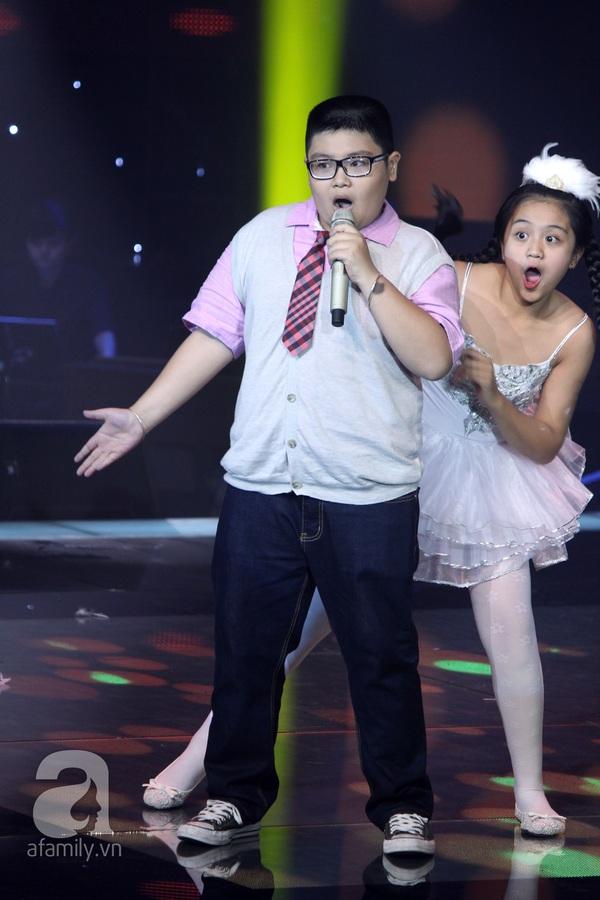 The Voice Kids: Quang Anh cực chất với màn diễn quá chuyên nghiệp 11