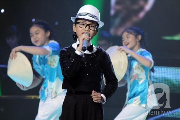 The Voice Kids: Quang Anh cực chất với màn diễn quá chuyên nghiệp 18