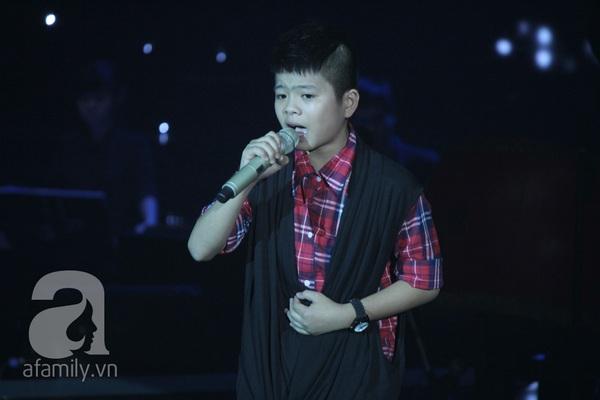 The Voice Kids: Quang Anh cực chất với màn diễn quá chuyên nghiệp 7