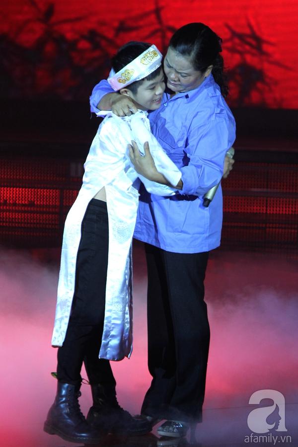 Nguyễn Quang Anh đăng quang Quán quân The Voice Kids 2013 16
