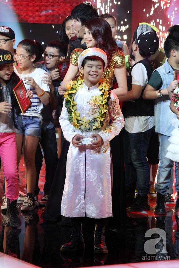 Nguyễn Quang Anh đăng quang Quán quân The Voice Kids 2013 2