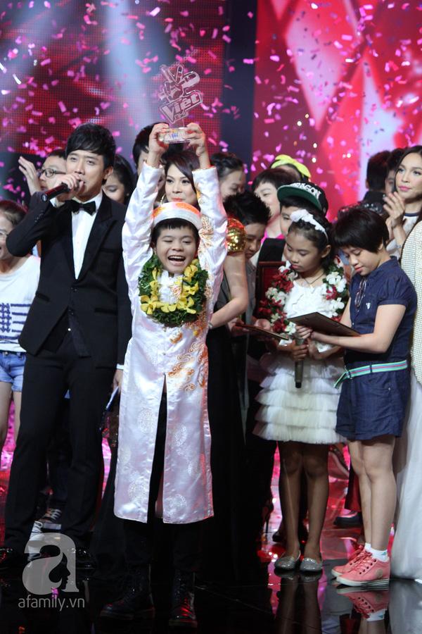 Nguyễn Quang Anh đăng quang Quán quân The Voice Kids 2013 3
