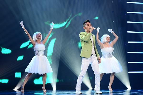 """Tứ kết 1 """"Tôi là người chiến thắng"""": Giám khảo Hoài Linh thu hút khán giả 5"""