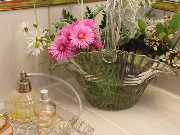 Bài trí bình hoa hợp phong thủy giúp nhà đẹp và tình thắm 8