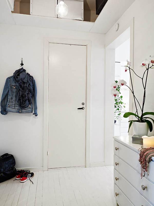 Ấn tượng với cách bài trí độc đáo của căn hộ 40 mét vuông màu trắng 1