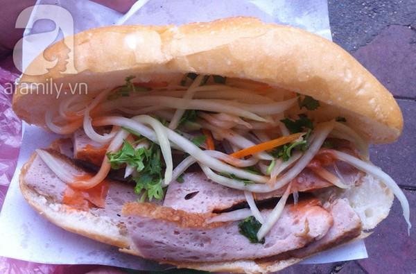 """""""Thèm thuồng"""" trước những hàng bánh mì ngon nổi tiếng Hà Nội 2"""