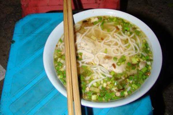Những quán bún riêu cua vỉa hè siêu ngon tại Hà Nội 10