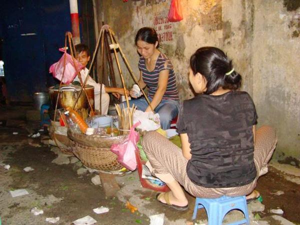 Những quán bún riêu cua vỉa hè siêu ngon tại Hà Nội 9