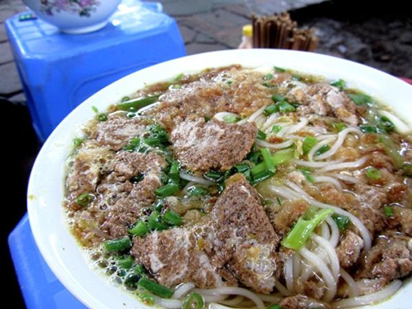 Những quán bún riêu cua vỉa hè siêu ngon tại Hà Nội 1