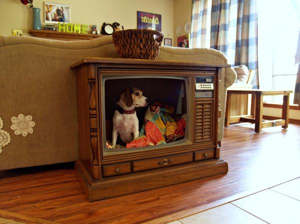 5 ý tưởng bất ngờ biến tivi cũ thành đồ dùng hữu dụng  5