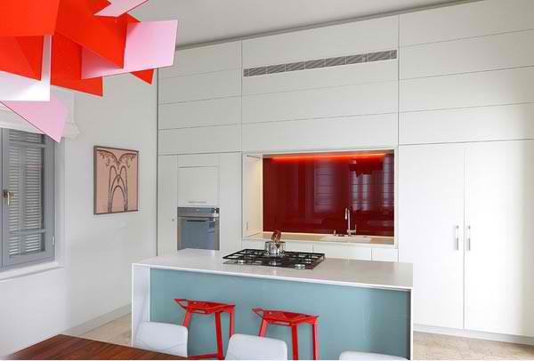 Mẹo đơn giản giúp căn bếp nhỏ trở nên rộng rãi hơn 2