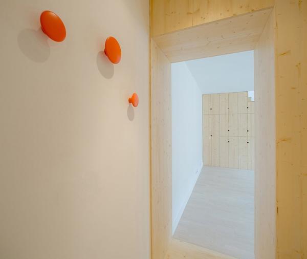 Những bất ngờ thú vị bên trong căn hộ siêu nhỏ 32m² 10