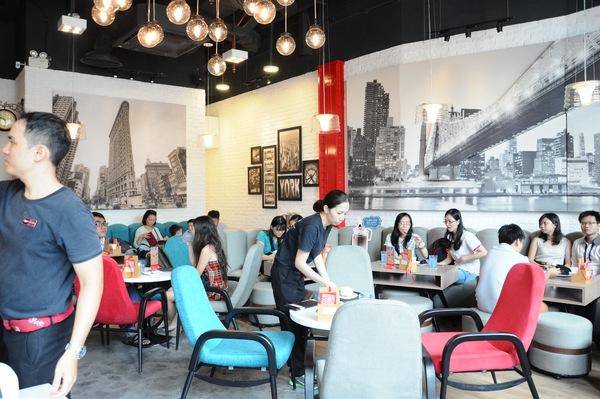 """nhung quan ca phe view dep do ngon de tam chuyen tet o sai gon - Những quán cà phê view đẹp, đồ ngon để """"tám"""" chuyện Tết ở Sài Gòn"""
