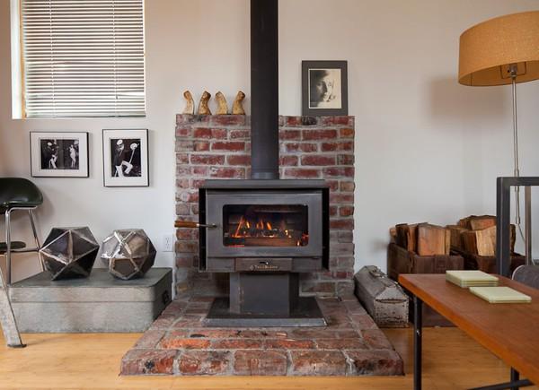 Ngôi nhà ấm cúng được nữ nghệ sĩ tự tay cải tạo từ gara cũ 3