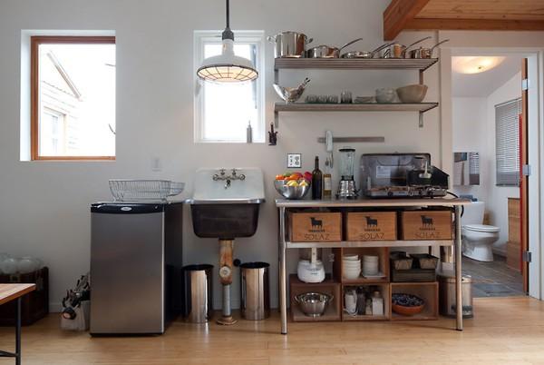 Ngôi nhà ấm cúng được nữ nghệ sĩ tự tay cải tạo từ gara cũ 6