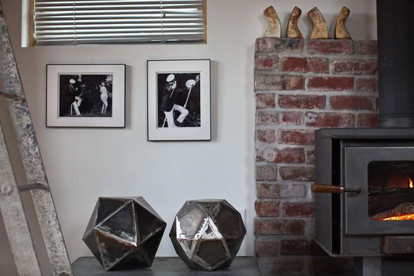 Ngôi nhà ấm cúng được nữ nghệ sĩ tự tay cải tạo từ gara cũ 5