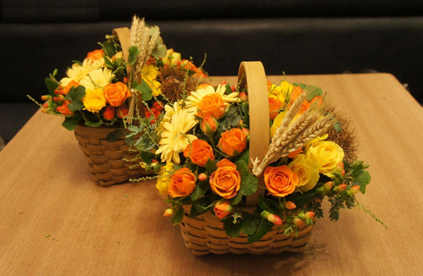 Cắm hoa sắc vàng cam trang trí nhà đầy sức sống 15