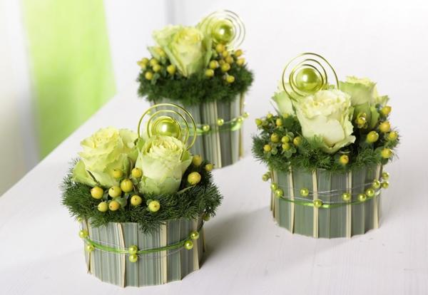 2 cách cắm hoa bàn tiệc nhanh mà trang nhã tinh tế 8