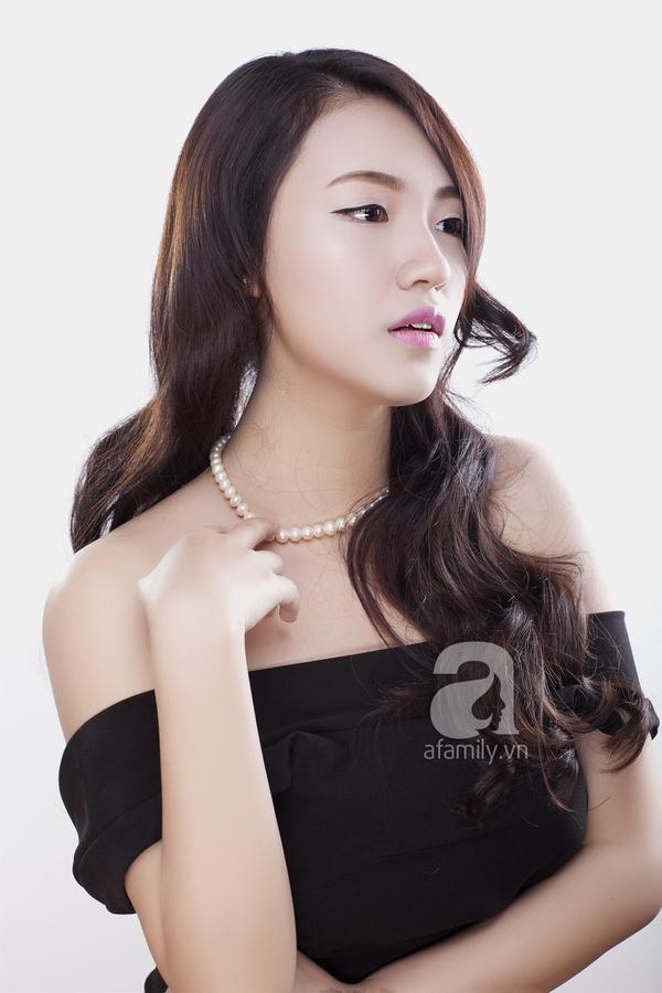 Học phong cách trang điểm môi hồng, lông mày nâu của Yoon Eun Hye 3